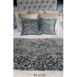 Komplet poduszek oraz pled